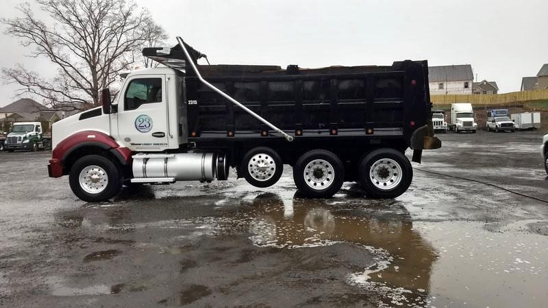 Fleet Vehicle Pressure Cleaning